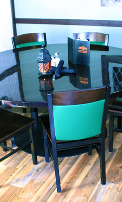 harpoon-room-round-table-for-eight.jpg