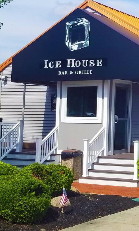 ice-house-sports-bar-entrance-01.jpg