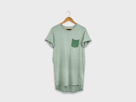 free-longline-t-shirt-mockup-psd-1000x75