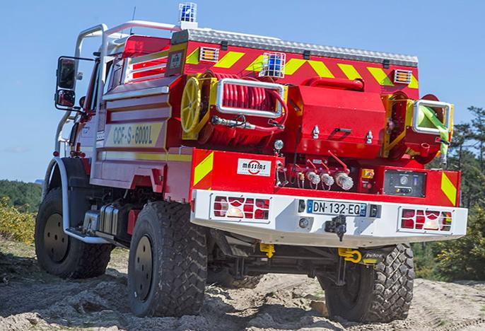 unimog-pompier-vehicule-incendie-6000l