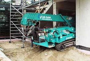 louer une mini grue pour un chantier en cours