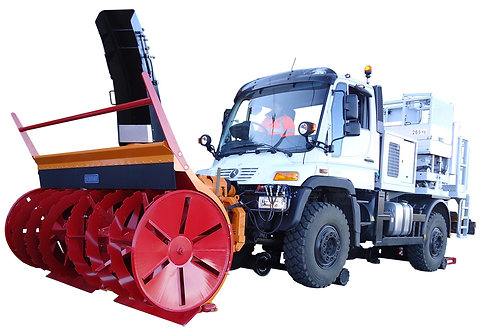 Unimog Snow Maintenance