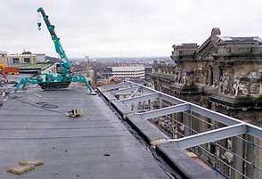 la mini grue pour rénovation de l'Opéra de Paris