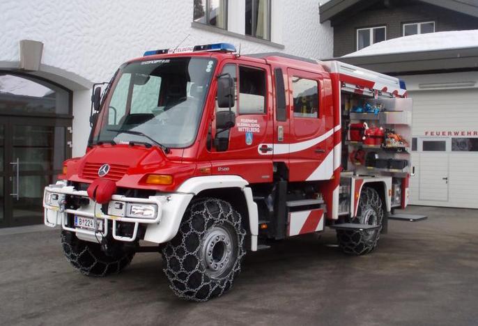 unimog-pompier-vehicule-incendie-neige