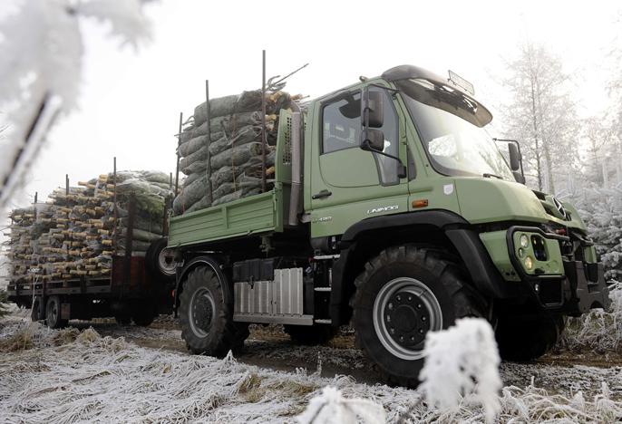 Unimog hiver forêt