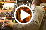 chariot elevateur cat video