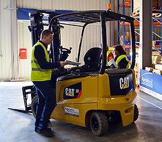 chariot elevateur cat contrat maintenance