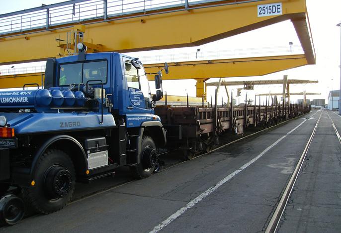 Unimog traction portuaire