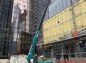 mini-grue-maeda-chantier-tour-structure-