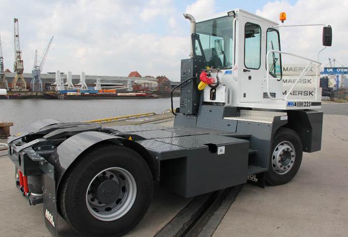 Volvo Tracteur portuaire aeroport