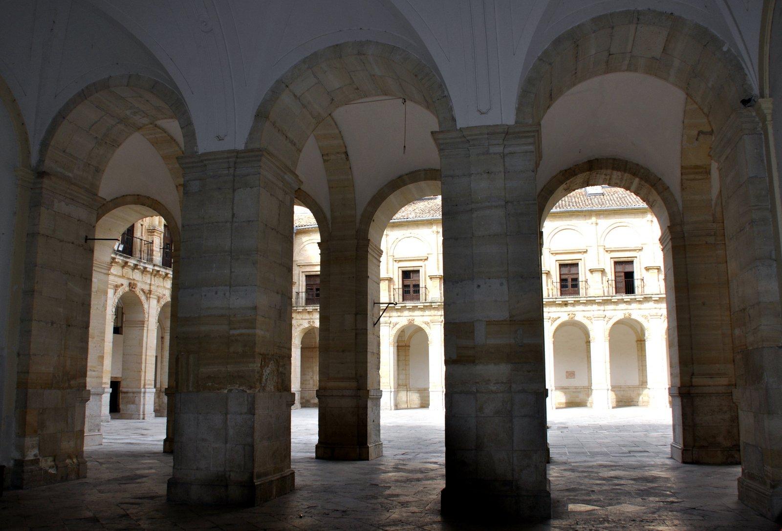 Columnas Claustro inferior