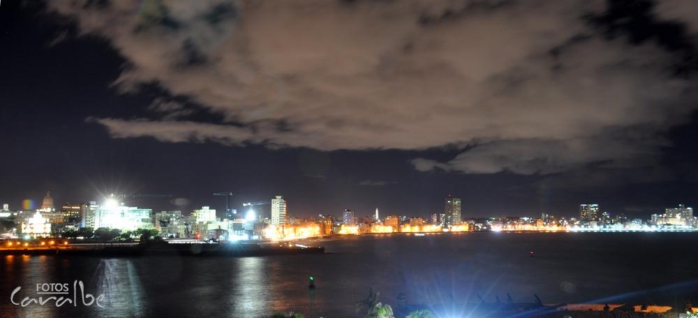 Malecon de noche (Copiar)
