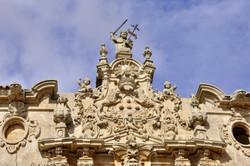 Parte superior fachada principal