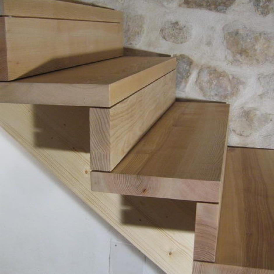 Marches d'escaliers en bois