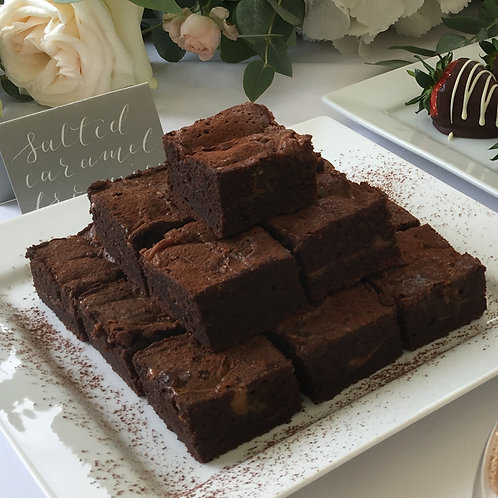 NATIONAL DELIVERY - Luxury Gift Box of 12 - Chocolate Salted Caramel Brownies