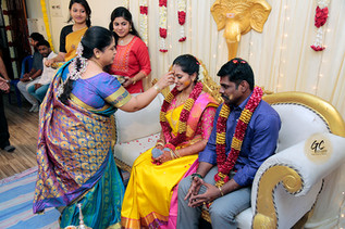 Wedding photographers in chennai at an wedding engagement