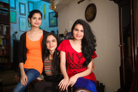 best family photography session by GC family Photography at Chennai with good family albums