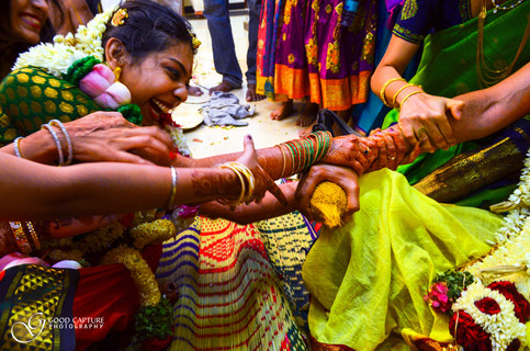 Candid wedding pictures by Good Capture Photography