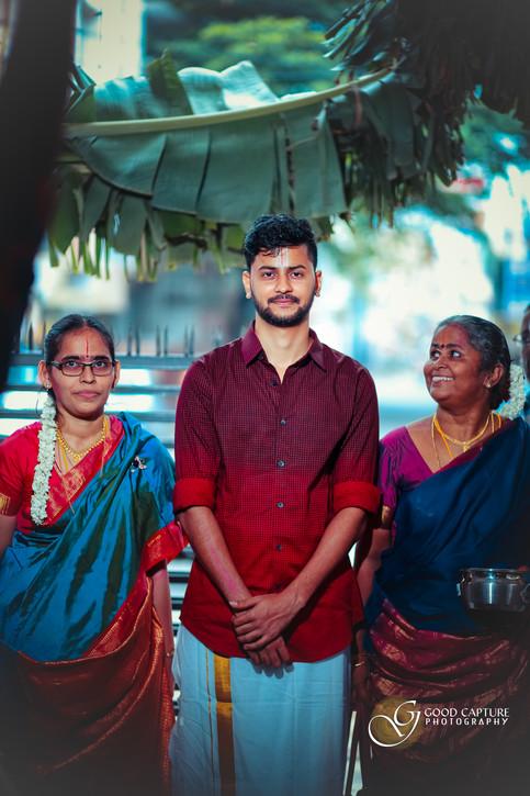 Brahmin wedding photography family photo of Shreyas