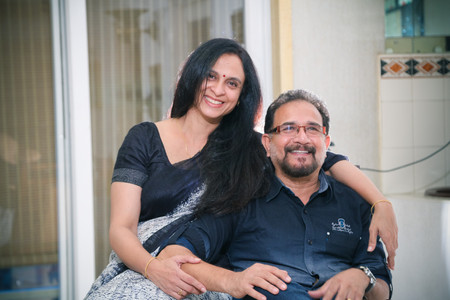 couple photo during the best family photoshoot session in chennai by good capture photography