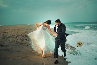 Couple photoshoot in beach by Best prewedding photographers in Chennai Capturing good images