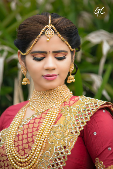 Bridal Photoshoot poses by Good Capture Photography