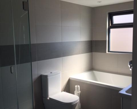 New-bathroom-1.JPG