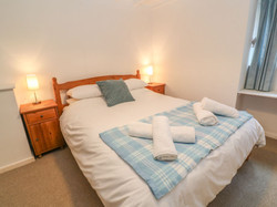 Cove_Cottage_King_Room_1
