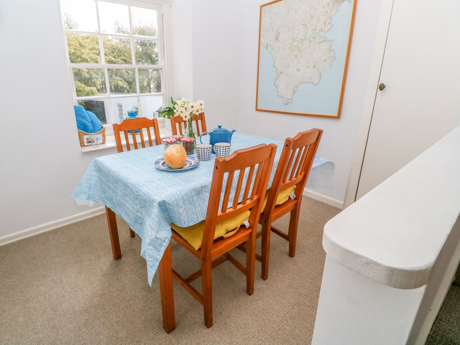 Gunwalloe_Holiday_Cottage_Dining_Area