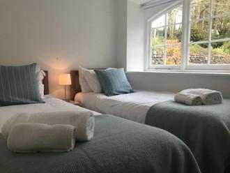 Poldhu Cottage Twin Room