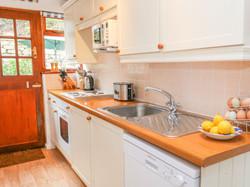 Gunwalloe_Holiday_Cottage_Kitchen
