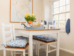 Cove_Cottage_Dining_Area