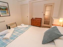 Cove_Cottage_King_Bedroom