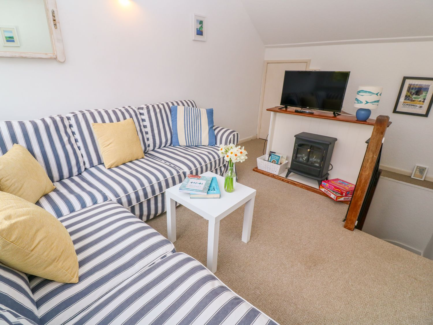 Gunwalloe_Holiday_Cottage_Living_Room