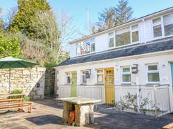 Gunwalloe_Holiday_Cottage_Exterior