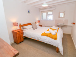 Gunwalloe_Holiday_Cottage_King_Room_2
