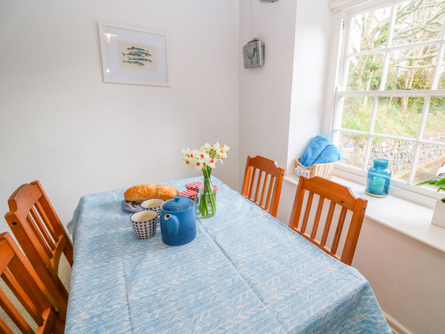 Gunwalloe_holiday_cottage_dining _area