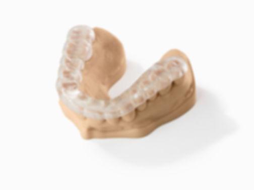 2017.03.06_011_fnl_dental-model-X2.jpg