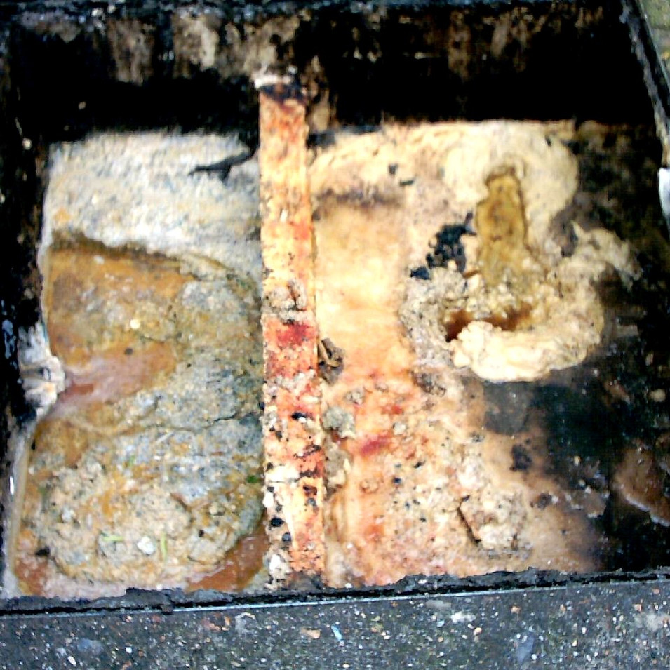 grease trap 1.jpg