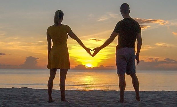 Sunrise 🌅 with the one you love.... doe