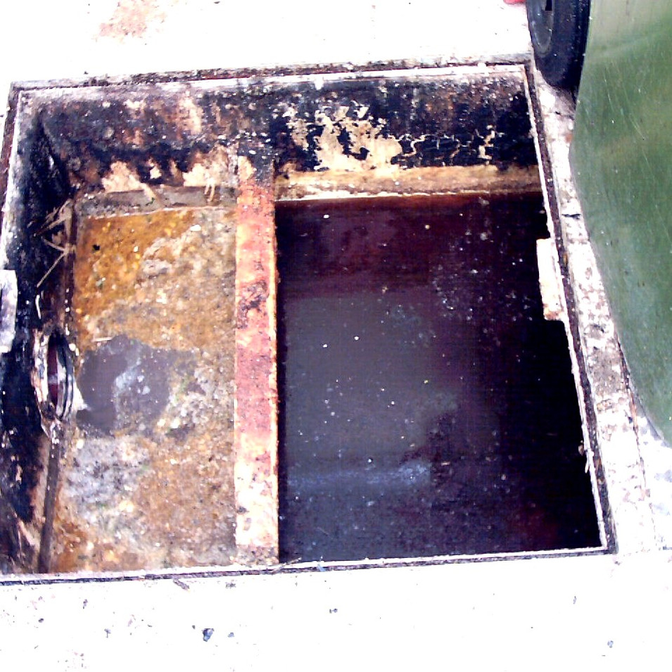 grease trap 2.jpg