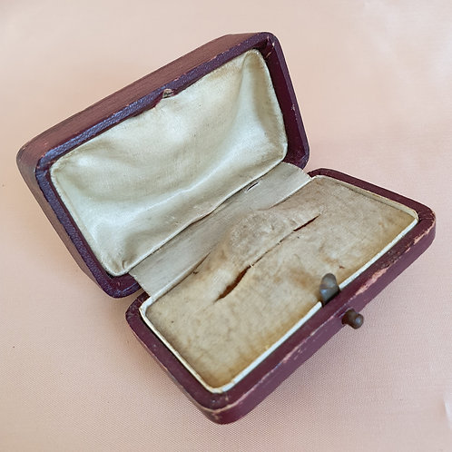 Antique Brown & Cream Brooch Box