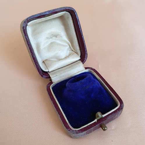 Victorian Navy&Cream Ring Box