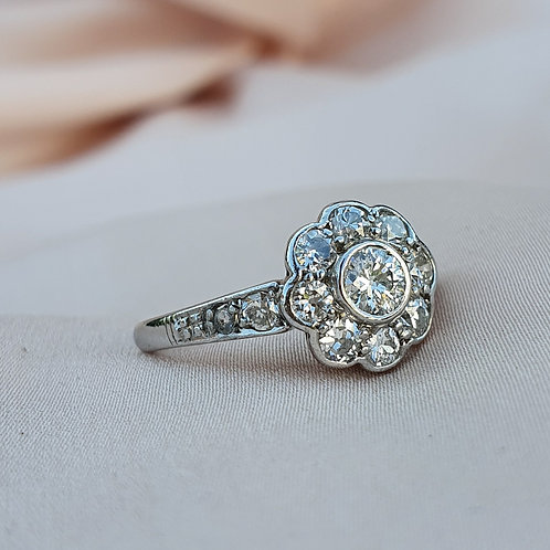Lovely Art Deco Diamond Daisy Cluster Ring