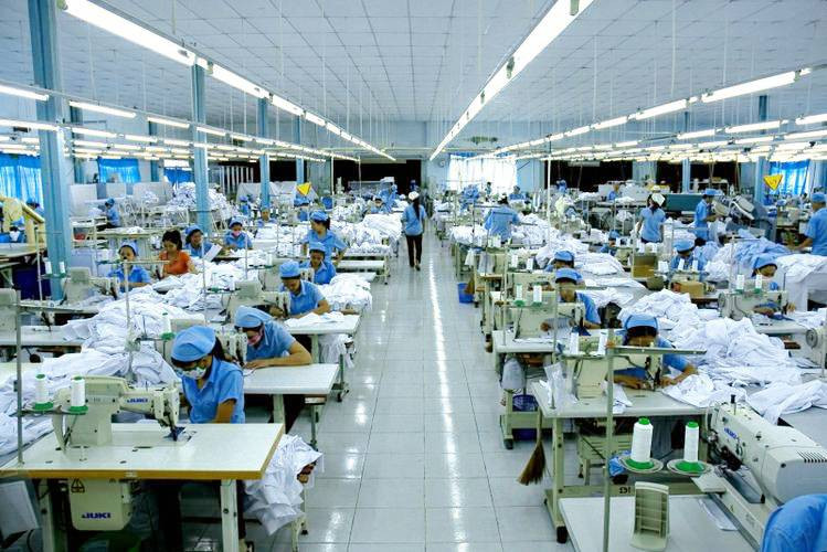 xưởng may túi đeo chéo đựng laptop trực tiếp