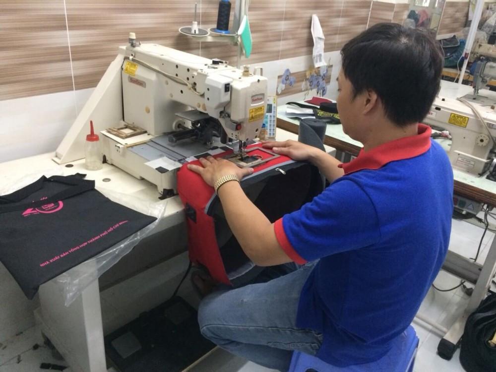 Một số hình ảnh máy móc chuyên dùng trong xưởng may balo túi xách