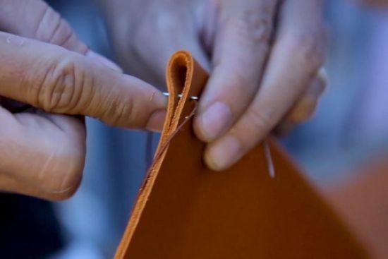 quy trình sản xuất ví da - 04