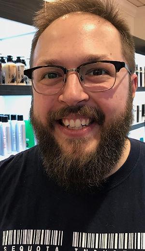 Erik Headshot 2018.jpg