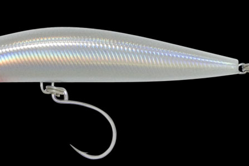 School Bully: 28 gm shallow diver, Silver Holographic