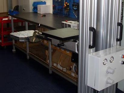 Pneumatic lifting equipment
